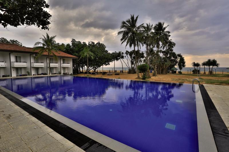 Hibiscus Beach Pool