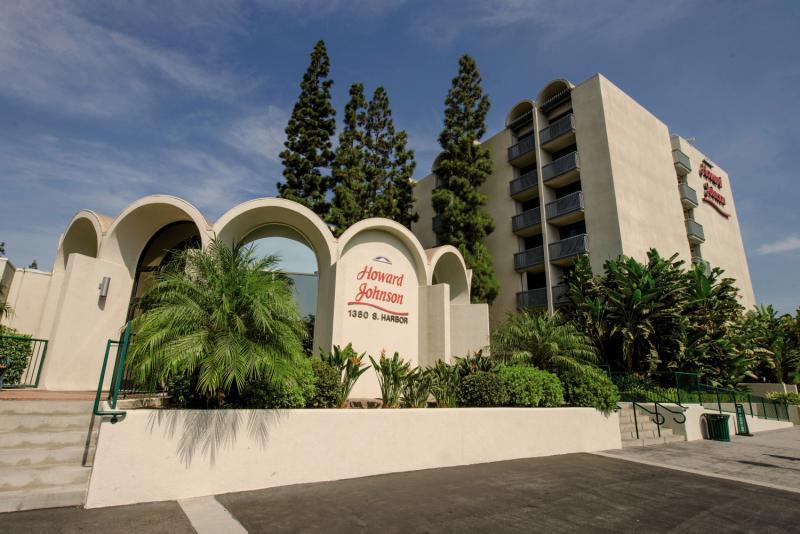 Howard Johnson Anaheim Hotel & Water Playground Außenaufnahme