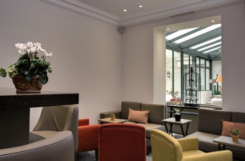 Le Littre Lounge/Empfang