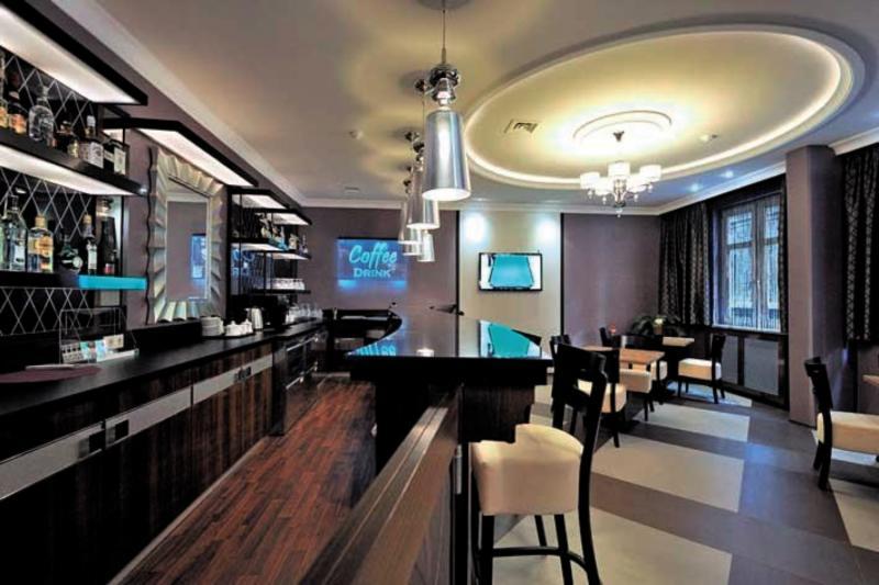 Carlton Budapest Bar