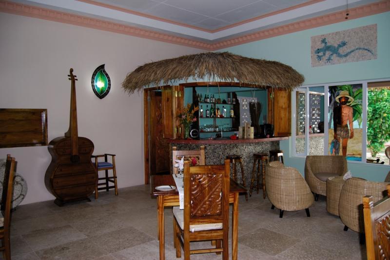 The Islander Guesthouse Bar