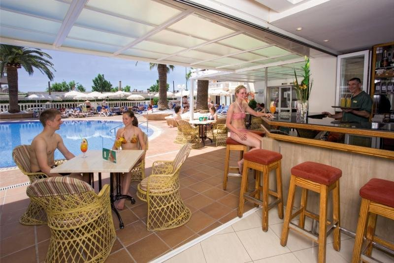 HSM Linda Playa Bar