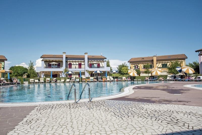 Villaggio Le Ginestre Pool