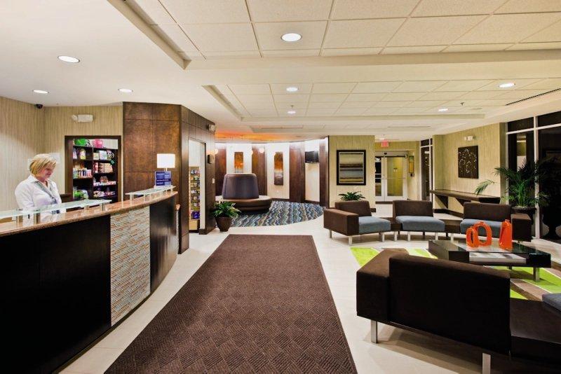 Holiday Inn Daytona Beach Oceanfront Resort Lounge/Empfang