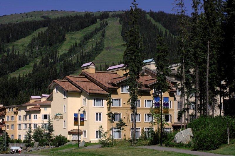 Nancy Greene´s - Cahilty Hotel & Suites Außenaufnahme