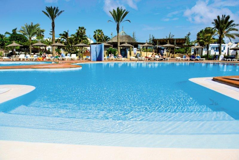HL Paradise Island Pool