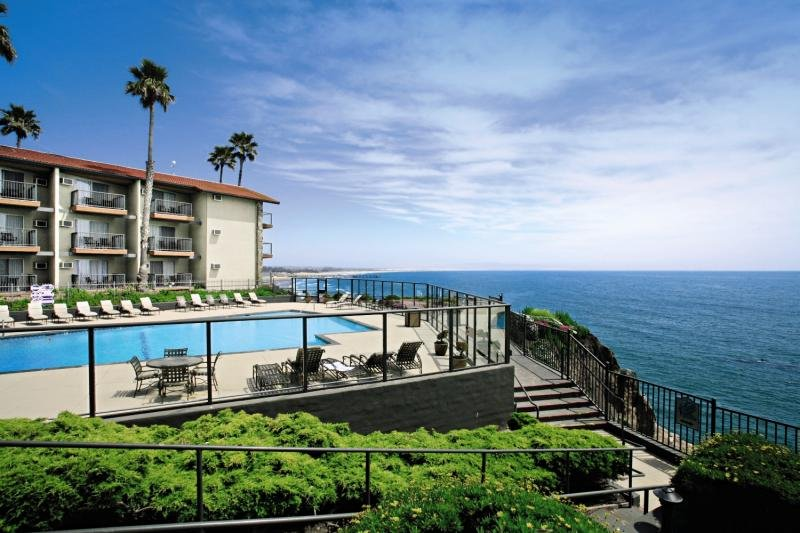 Shore Cliff Hotel Außenaufnahme