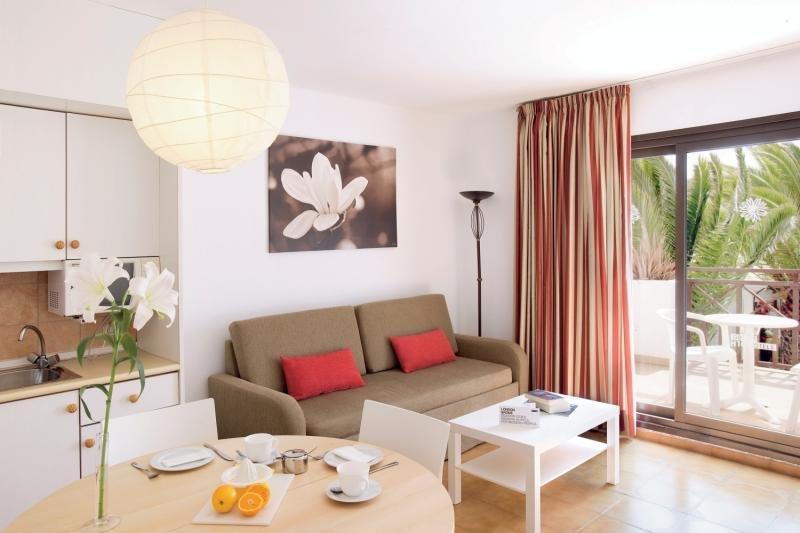 SENTIDO H10 White Suites - Erwachsenenhotel Wohnbeispiel