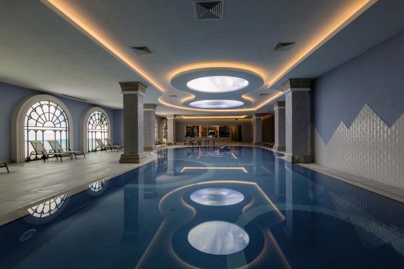 Side La Grande Resort & Spa Hallenbad