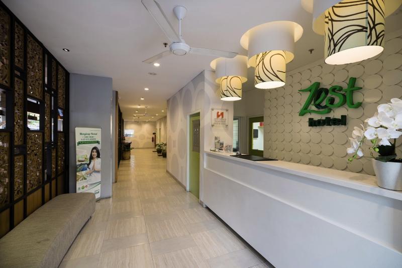 Zest Hotel Legian Lounge/Empfang