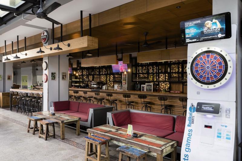 Zest Hotel Legian Bar