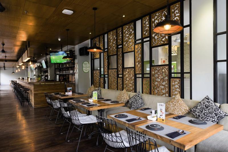 Zest Hotel Legian Restaurant