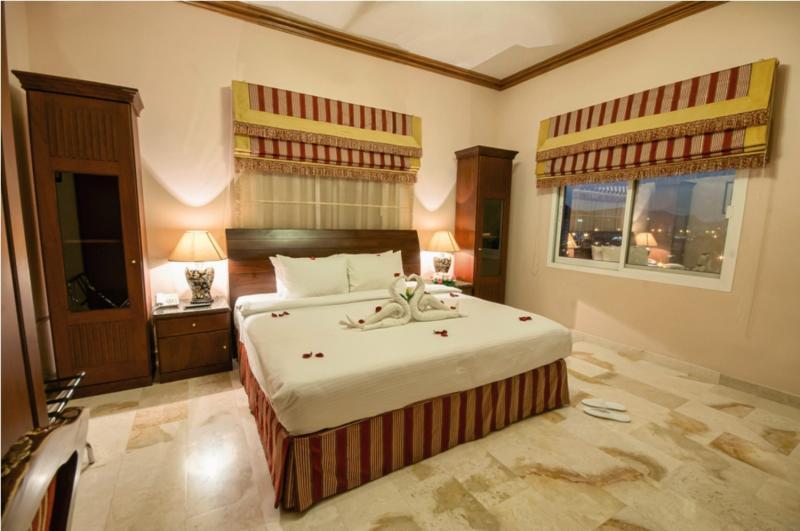 Golden Oasis Badezimmer