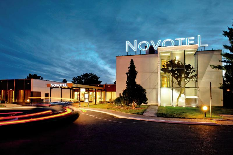 Novotel Wroclaw City Hotel Außenaufnahme