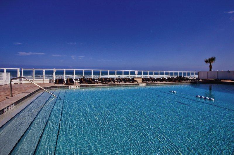 Holiday Inn Daytona Beach Oceanfront Resort Pool