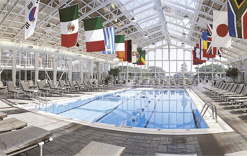 Chicago´s Essex Inn Pool