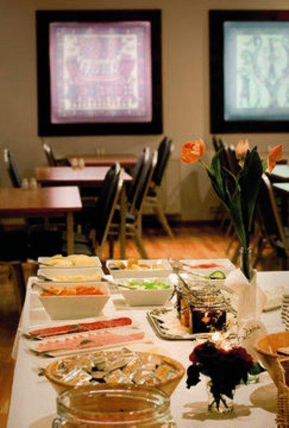 Center Hotel Plaza Restaurant