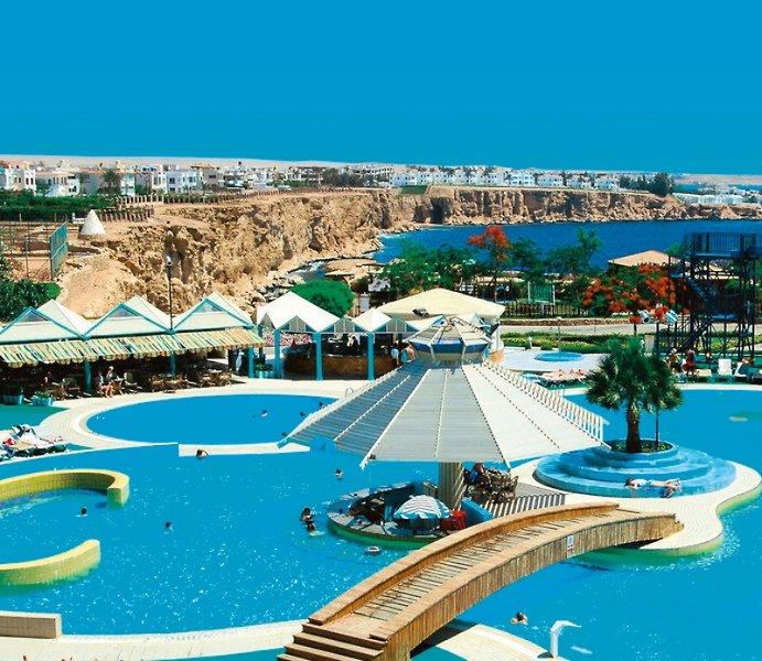 Dreams Vacation Resort Pool
