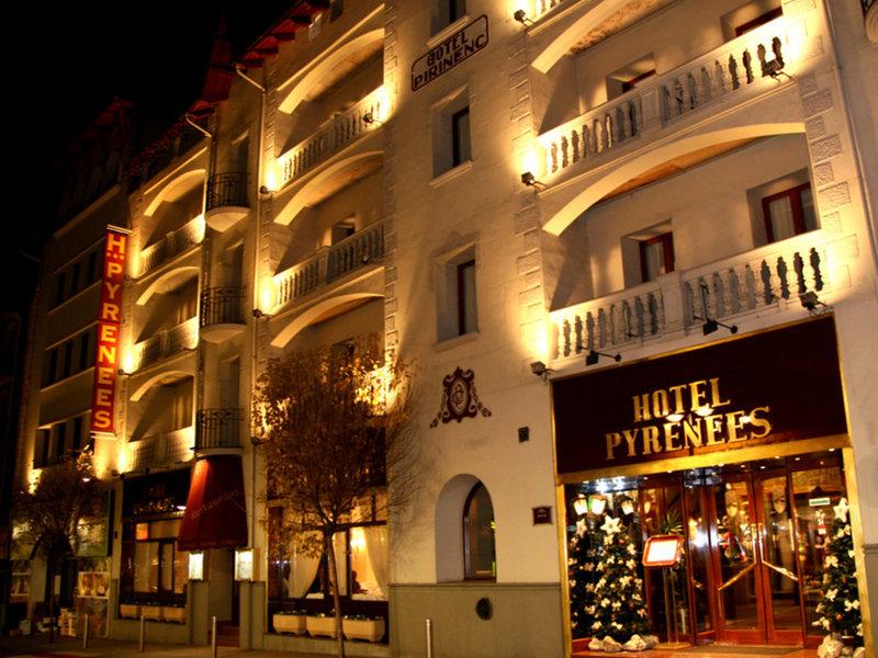 Hotel Pyrenees Außenaufnahme
