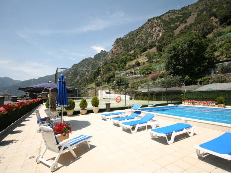 Hotel Pyrenees Pool