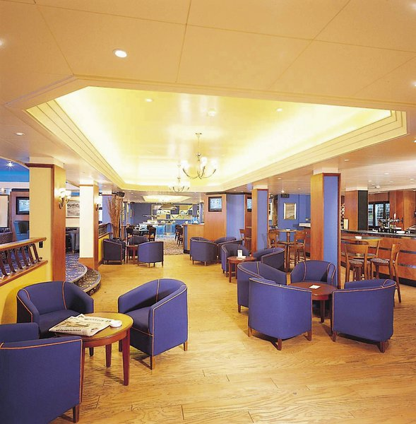 DoubleTree by Hilton Hotel London - Ealing Bar